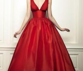 Long Red Satin Prom ..