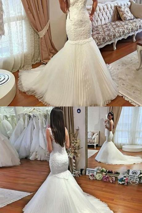 Mermaid Spaghetti Straps Sleeveless Tulle Wedding Dress with Lace